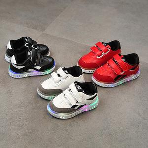 2018春秋新款亮灯儿童板鞋LED男女童休闲鞋韩版运动鞋发光宝宝鞋
