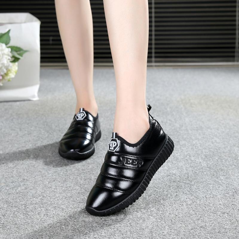 新款老北京布鞋女鞋鼕季保暖平底女士韓版PU面防水加絨媽媽女棉鞋