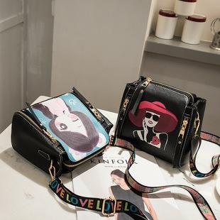 2019韩版新款女士手提水桶包时尚百搭宽彩带单肩斜挎包小包起风了