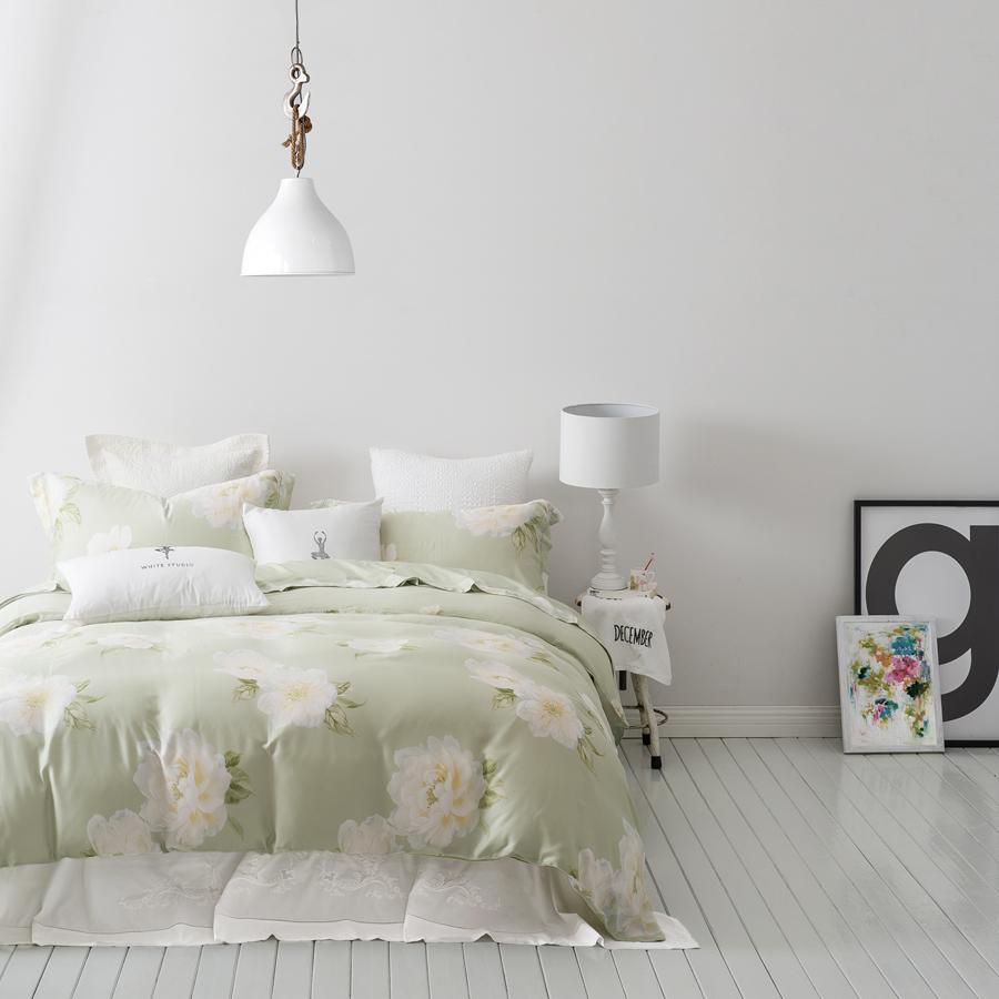 Whitestu suite four sets of white silk Lyocell art 1.5m1.8m bedspread