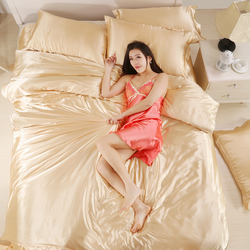 Pure silk four piece very cool ice sheet type four piece silk bedding can be naked special offer