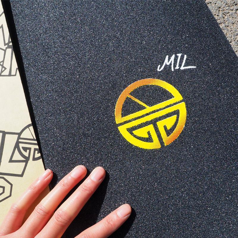 Trắng LED sáng bóng bánh xe Tombug mang mang dầu hexagonal board MIL skateboard giấy nhám