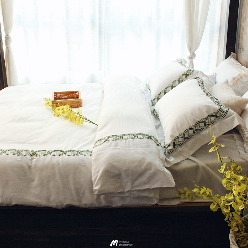 Pure white silk cotton bed and Breakfast day four sets of simple embroidery quilt and bedding naked