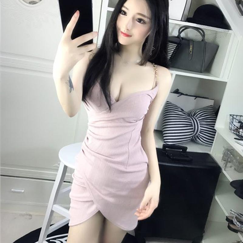 2017夏季新款性感夜店女装收腰显瘦吊带深V领低胸露背包臀连衣裙