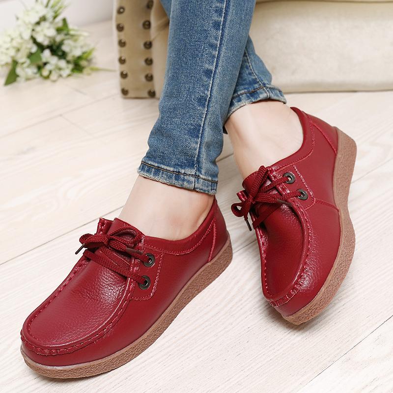 El nuevo plano de cuero y zapatos de suela gruesa casual zapatillas con cordones de zapatos antideslizantes en mujeres embarazadas de la madre