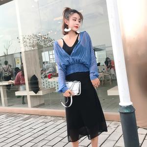 時髦套裝女2018夏季新款韓版吊帶連衣裙女氣質雪紡防曬襯衫套裝女