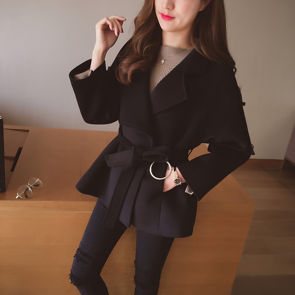 Winter new Korean version of the loose waist lapel woolen jacket women's short paragraph temperament suit collar collar coat tide