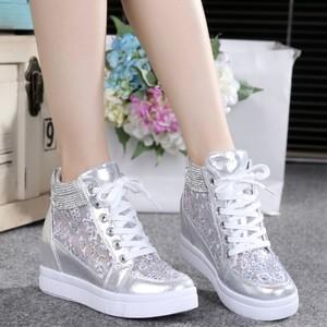 Rhinestone lưới phong trào giày cao thoáng khí giày đơn giày net sinh viên vô hình bên trong tăng giày của phụ nữ trắng giày thường mùa xuân