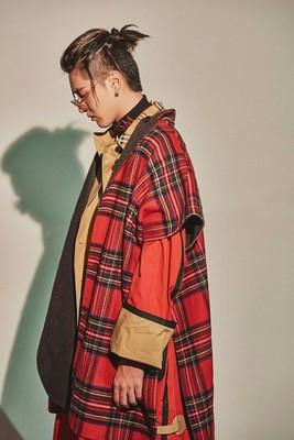 Wu Yifan với phần dài áo gió nam kẻ sọc đỏ mở không tay lỏng lẻo đơn ngực áo gió áo khoác cá tính Áo gió