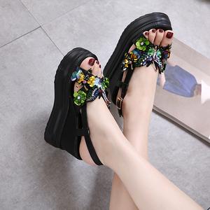 韓版2018夏季新款水鉆蝴蝶花朵坡跟厚底內增高涼鞋