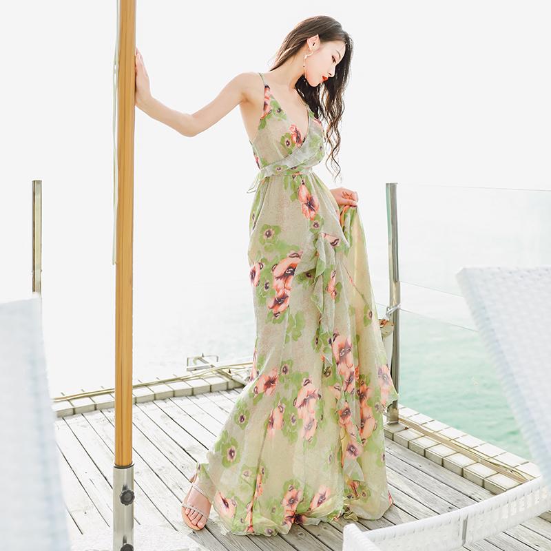 9833#波西米亚度假露背吊带连衣裙