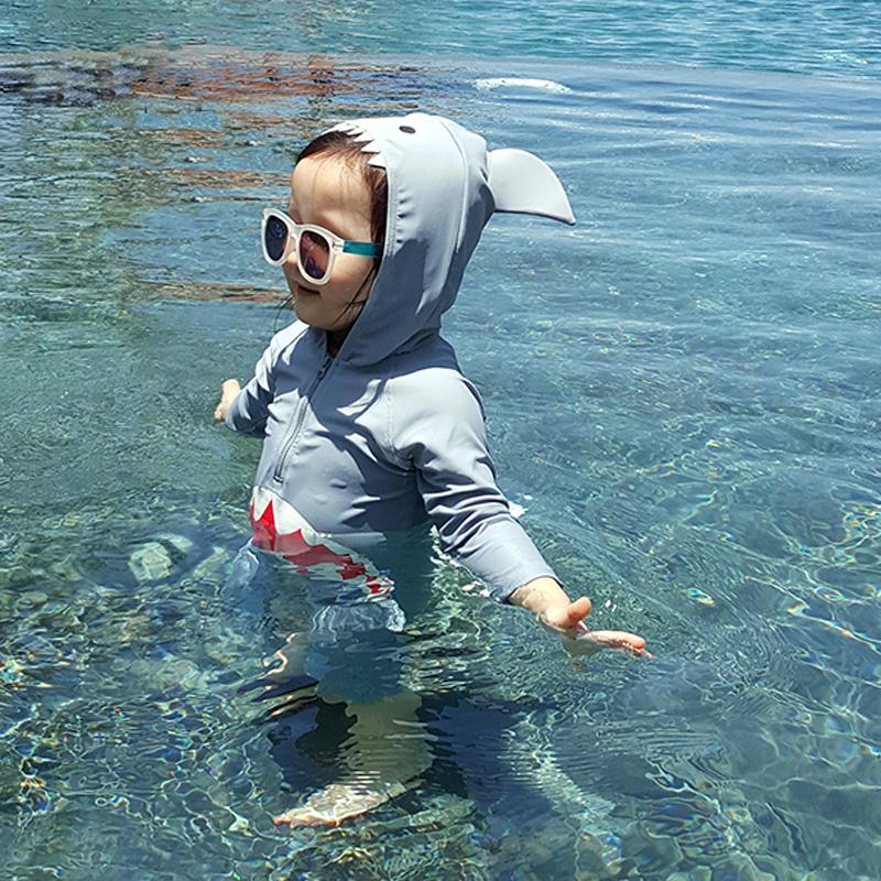 Trẻ em Hàn Quốc áo tắm Xiêm cá mập dễ thương chàng trai và cô gái bé bé kem chống nắng đồ bơi bơi thân phù hợp với
