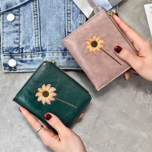 Ins небольшой бумажник женские короткие модель 2020 новый корейский простой небольшой свежий студент молния застежка сложить мелкие деньги клип