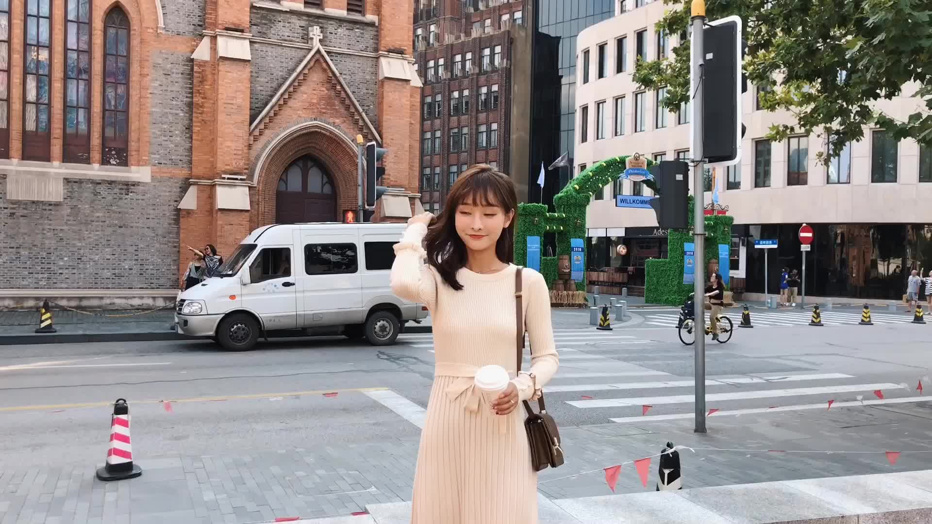 朵维思2018秋冬新款韩版时尚气质修身打底针织连衣裙女