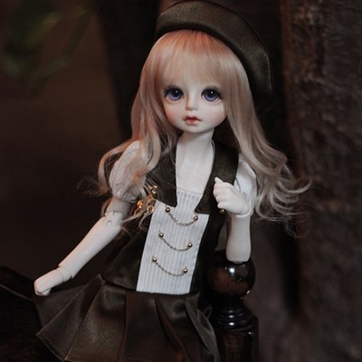 taobao agent 1/4 BJD/SD doll clothes 4 points girl skirt suit pleated skirt + socks + hat + shoes + wig