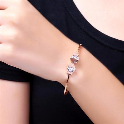 新款女士镶钻亲嘴鱼手镯女钛钢不掉色玫瑰金时尚开口手环饰品