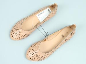 Ren rỗng thấp cắt phẳng với miệng nông đặt giày đi lại thời trang đơn giản