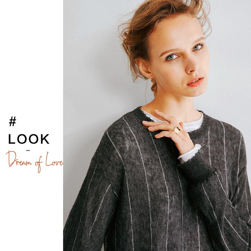 看了又看特  自制推荐 进口纱线 手感柔软蓬松细条纹针织衫