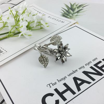 闪亮宝石花朵精美戒指仙女银色合金弹力指环圈网红奢华饰界饰品05