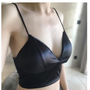 Châu âu và Hoa Kỳ mô hình vụ nổ áo ngực sâu V phần dài sexy bọc ngực dây đai mỏng ống top sexy vẻ đẹp trở lại cô gái áo ngực