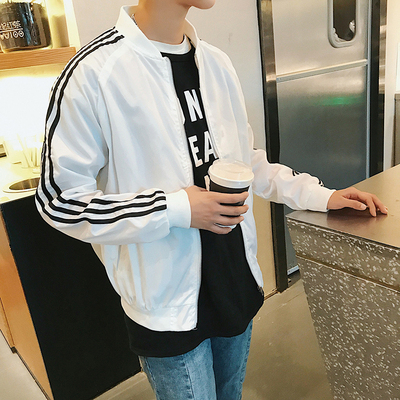 Mùa xuân người đàn ông mới của đẹp trai hoang dã áo khoác mỏng Hàn Quốc phiên bản của xu hướng của sinh viên Hồng Kông gió áo khoác dài tay quần áo giản dị Áo khoác
