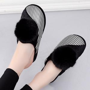 女士冬季舒适保暖甜美坡跟厚底软底室内家用居家月子棉拖鞋女外穿