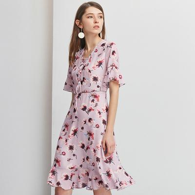 [Giá mới 149 nhân dân tệ] Ziran 2018 mùa hè mới V-Cổ in ấn eo OL ngắn tay chic dress nữ
