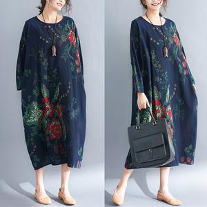 Phụ nữ trung niên dài tay dài váy gió quốc gia lỏng lẻo cộng với phân bón XL mẹ nạp bông và vải lanh hoa ăn mặc