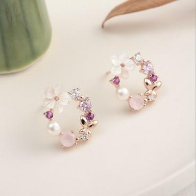 小花环 日系风~通体925银镀玫瑰金粉宝石母贝珍珠花朵耳钉