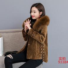 2018冬新款羊剪绒女短款海宁皮草外套狐狸毛领连帽一体厚