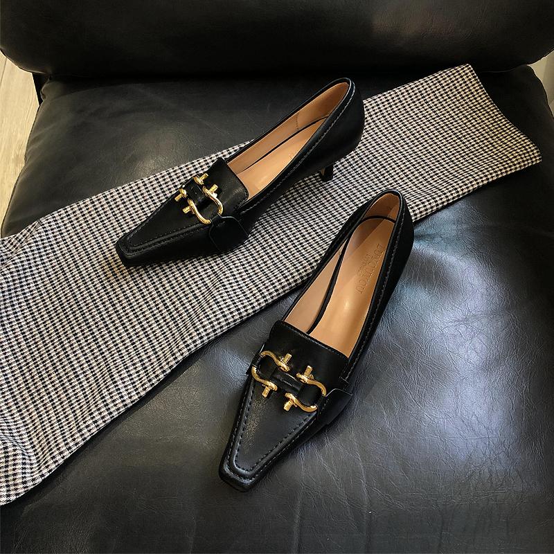 黑色法式高跟鞋女bv2020春季新款方头细跟金属扣复古猫跟单鞋女鞋