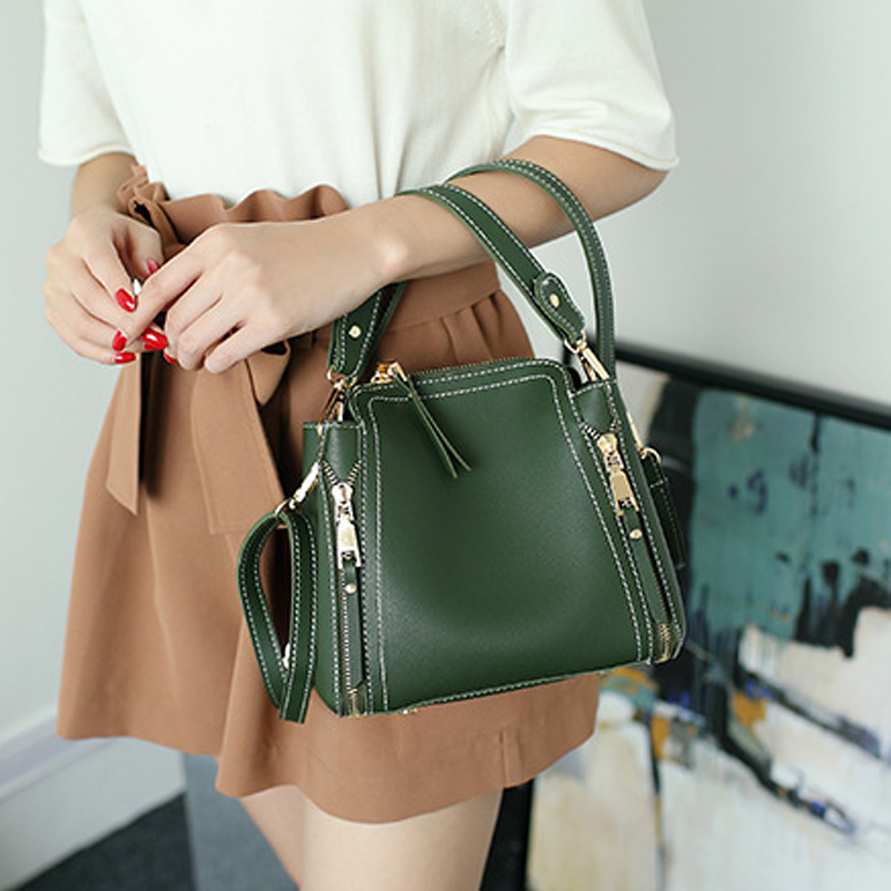 秋冬款上新小包包女单肩斜挎包个性水桶包