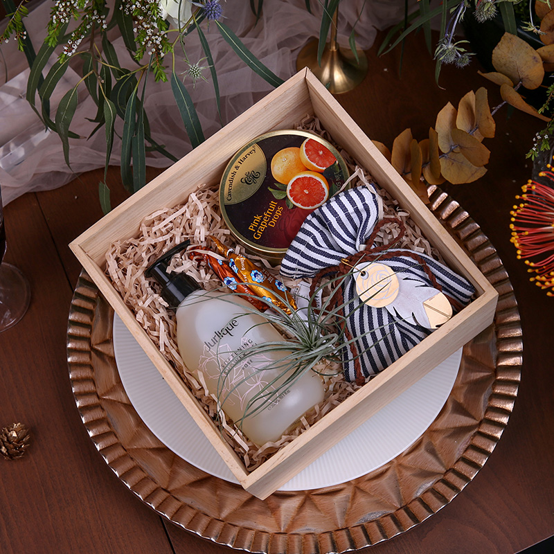 伴娘礼盒空气凤梨木盒,生日结婚高档创意礼物