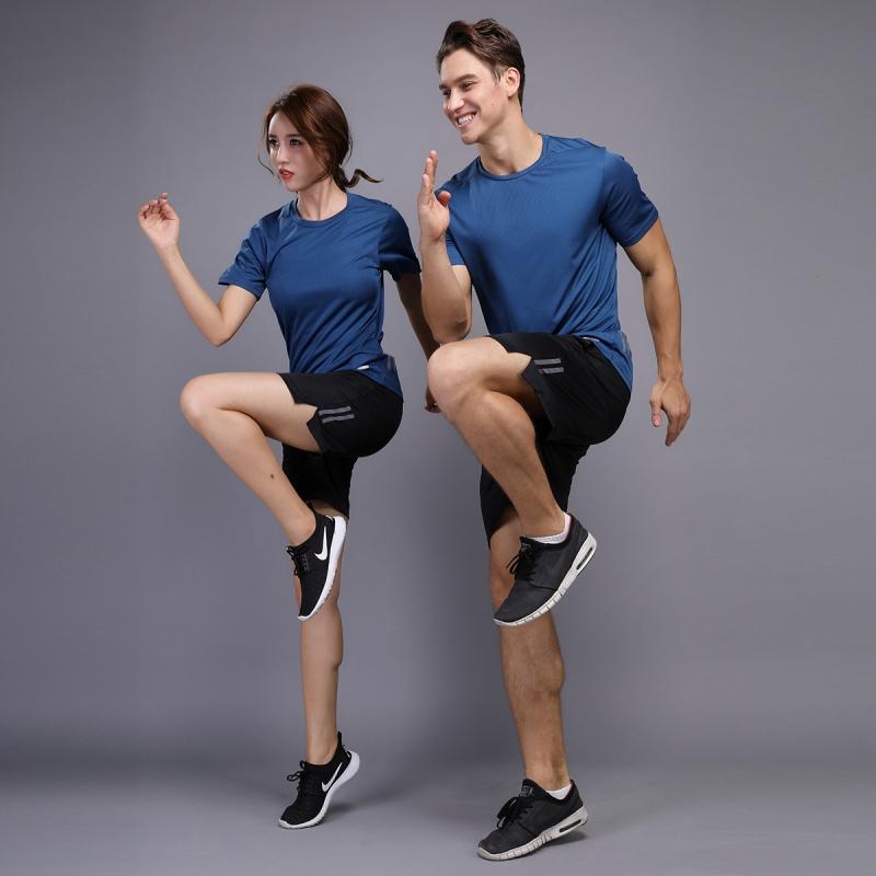 Thể thao phù hợp với ngắn tay khô nhanh T-Shirt nam giới và phụ nữ vài mùa hè quần áo chạy thể dục quần áo lỏng quần short mỏng