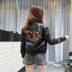 Da phụ nữ áo khoác mùa xuân 2018 mới của Hàn Quốc áo khoác ngắn pu da sinh viên mỏng thêu xe máy quần áo áo khoác Quần áo da