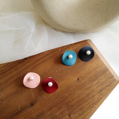 个性新款潮不规则形状撞色耳钉小众高级感气质珍珠耳饰网红款耳环