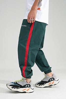 Reluctant studio Chinism side dải màu đỏ chân quần âu chữ thêu lỏng chùm quần chân người đàn ông Quần mỏng