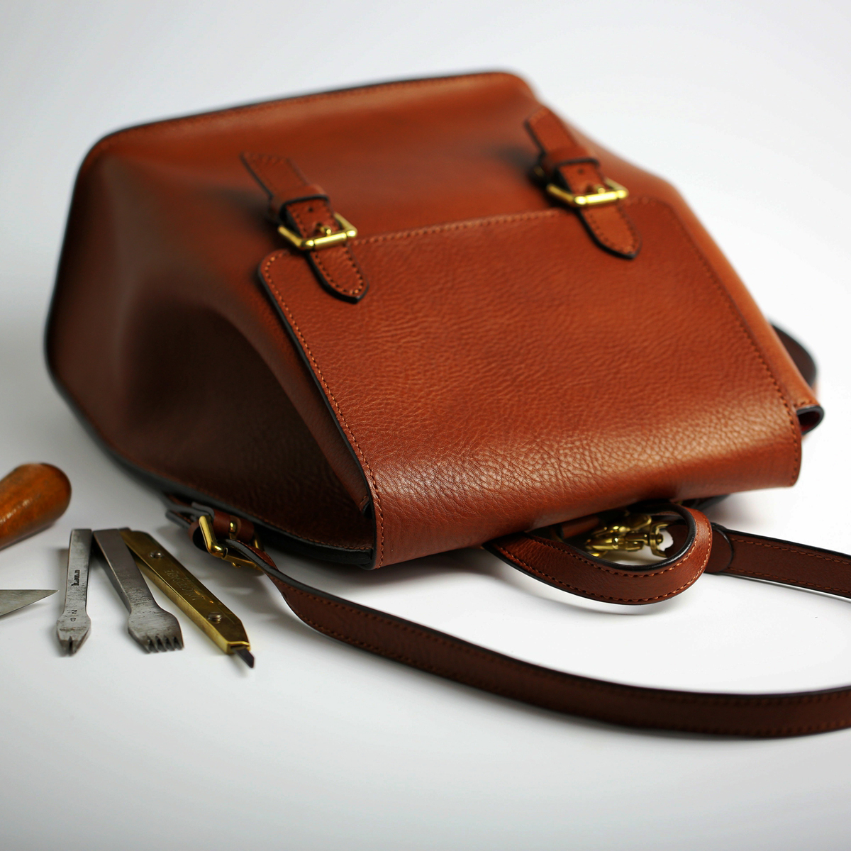西苏手造 手工皮具2016秋季新款原创时尚英伦双肩包