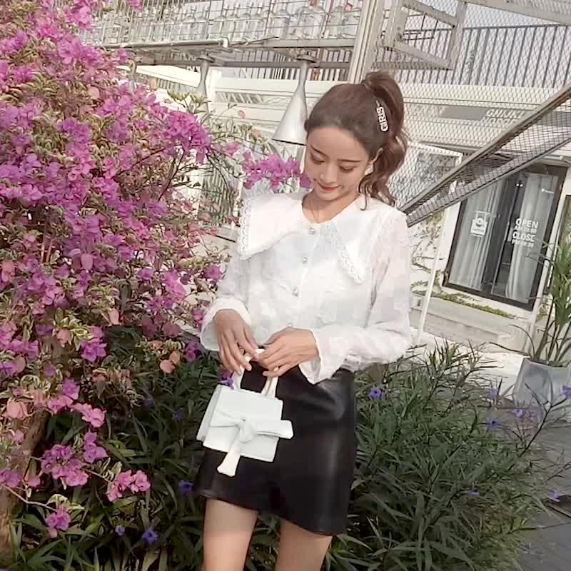 2019春季新款单排扣娃娃领喇叭袖衬衫女韩范宽松雪纺长袖气质上衣