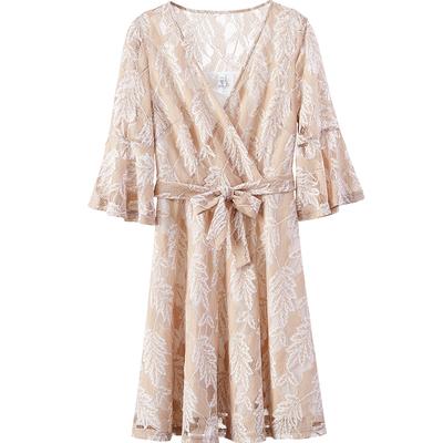 [Giá mới 99 Nhân Dân Tệ] Mùa Hè 2018 v cổ áo thanh lịch đu lớn váy eo ren năm điểm tay áo một từ ăn mặc nữ Sản phẩm HOT