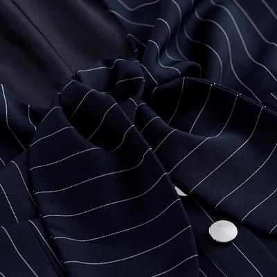 [Giá mới 66 nhân dân tệ] 2018 mùa xuân mới V-cổ sọc nơ là dây đeo mỏng ăn mặc một từ ăn mặc nữ thương hiệu thời trang nữ Sản phẩm HOT