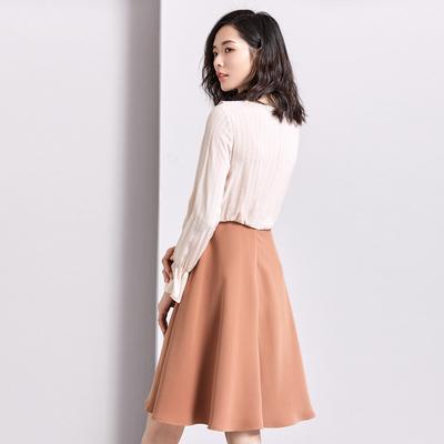 [Giá mới 139 đô] mùa xuân 2018 mới V-cổ dài tay một từ váy lá sen tay áo hit màu khảm đầm Sản phẩm HOT