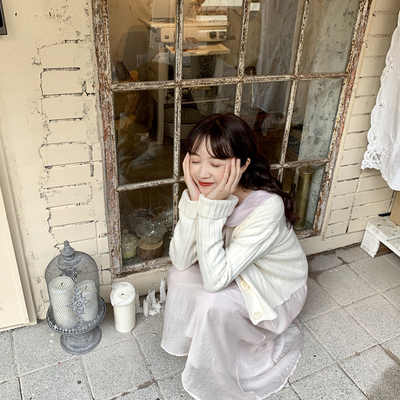 YUKI small tree home was thin and high V-neck long-sleeved outside knitted cardigan coat sweater women spring and autumn thin section m0834