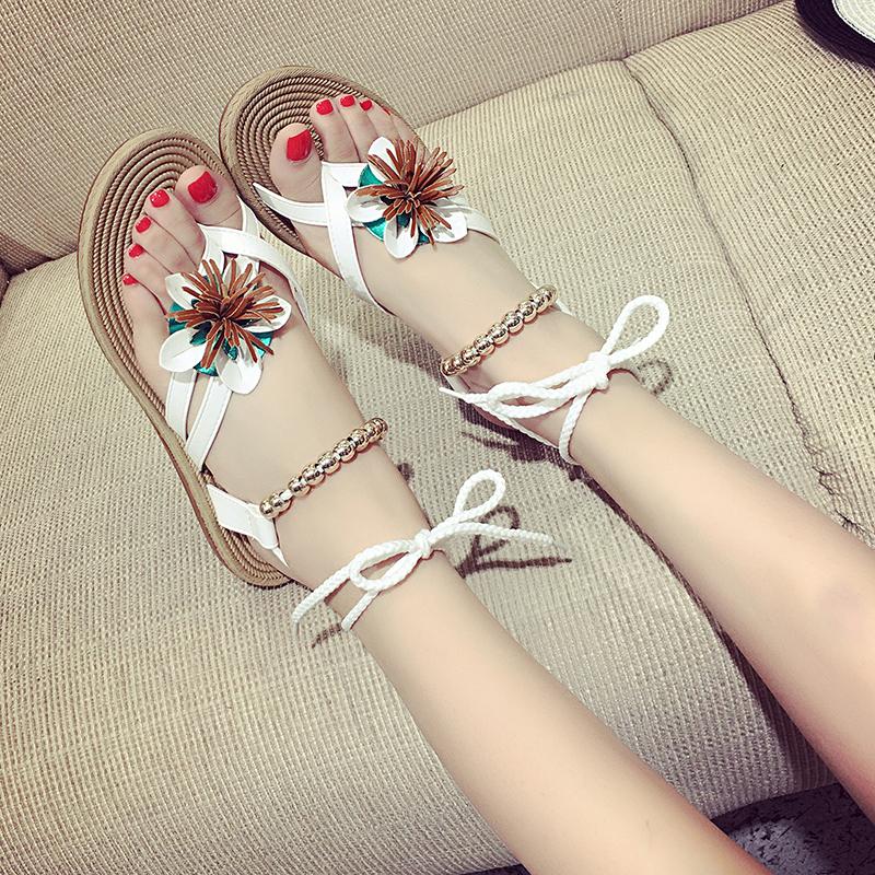 2017新款波西米亚凉鞋夏季平底学生沙滩凉鞋套趾绑带花朵串珠女鞋