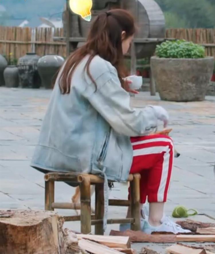 《向往的生活2》戚薇同款红色裤侧条纹拼接收脚运动休闲萝卜裤