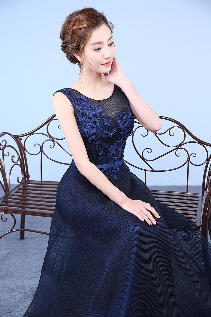 主持人连衣裙 - 1505147909 - 太阳的博客