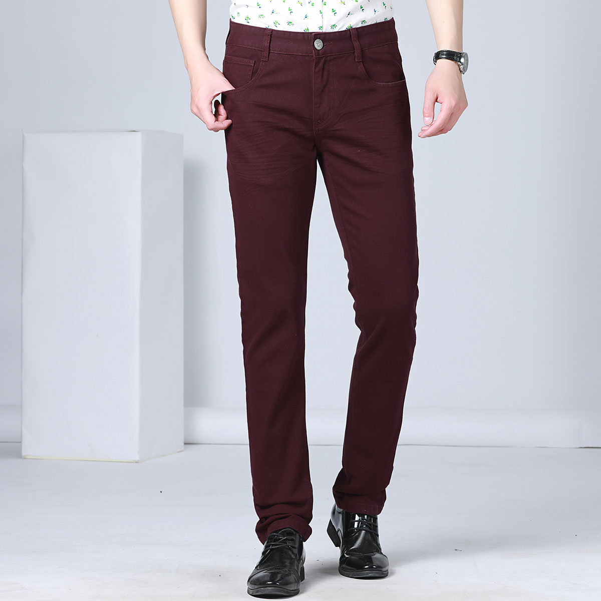 A line of large factories cut special! Autumn and winter young mens trendy wine red plush thickened Stretch Jeans