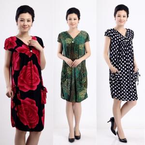 Phụ nữ trung niên của mùa hè ngắn tay hoa đầm cộng với phân bón XL mẹ ăn mặc in dài váy dài