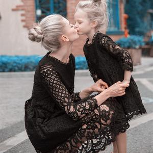Châu âu và Hoa Kỳ cha mẹ và con váy ren váy 2018 mới thời trang màu rắn ăn mặc mẹ ăn mặc cô gái ăn mặc công chúa váy triều