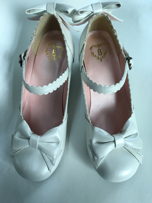 taobao agent Spot Japanese baby plus soft pearlescent white unicorn with thick heel shoes Lolita lolita shoes